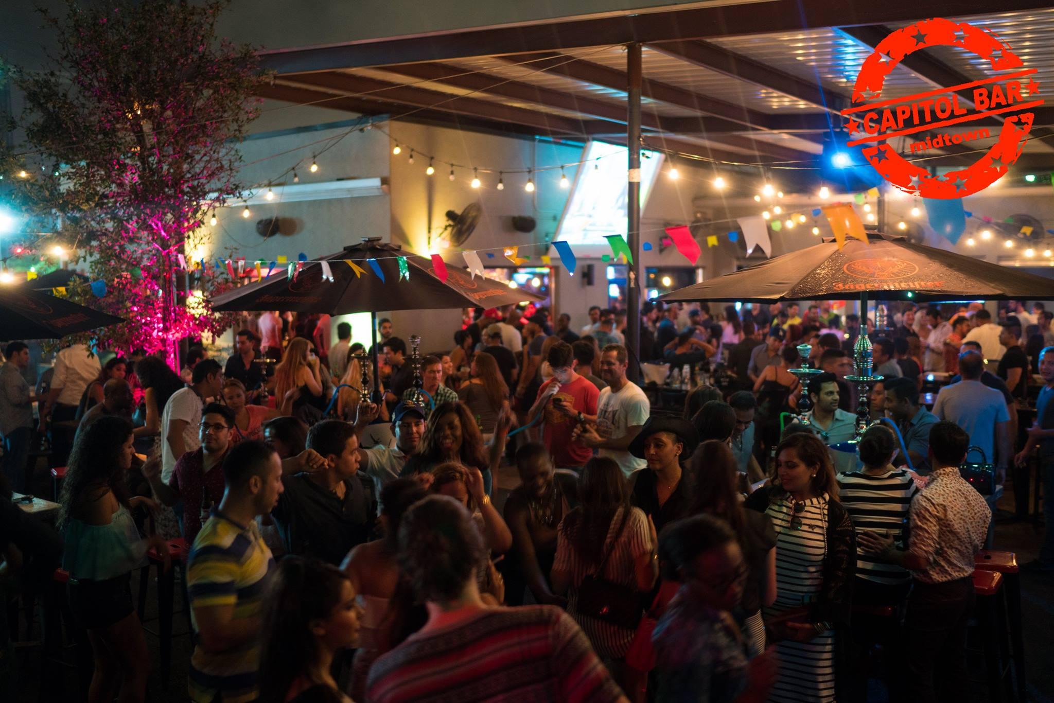 Houston Midtown Patio Bar Outdoor Music Food Games TVs